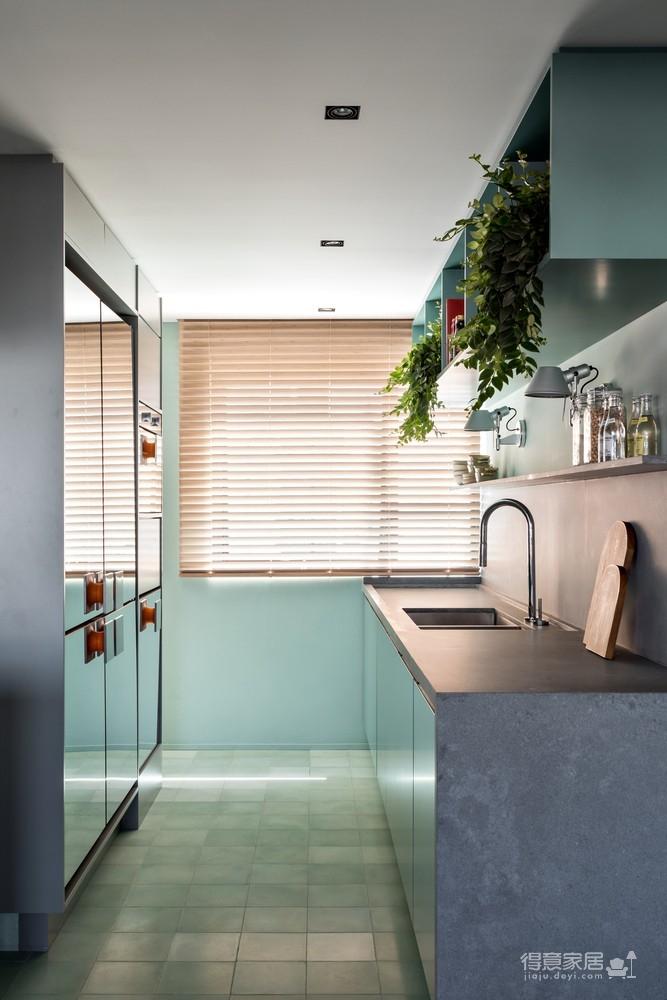 130㎡ 公寓翻新,将复古风格与现代家居创新结合图_11
