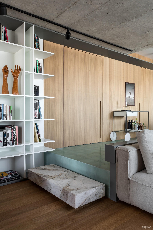 130㎡ 公寓翻新,将复古风格与现代家居创新结合图_5