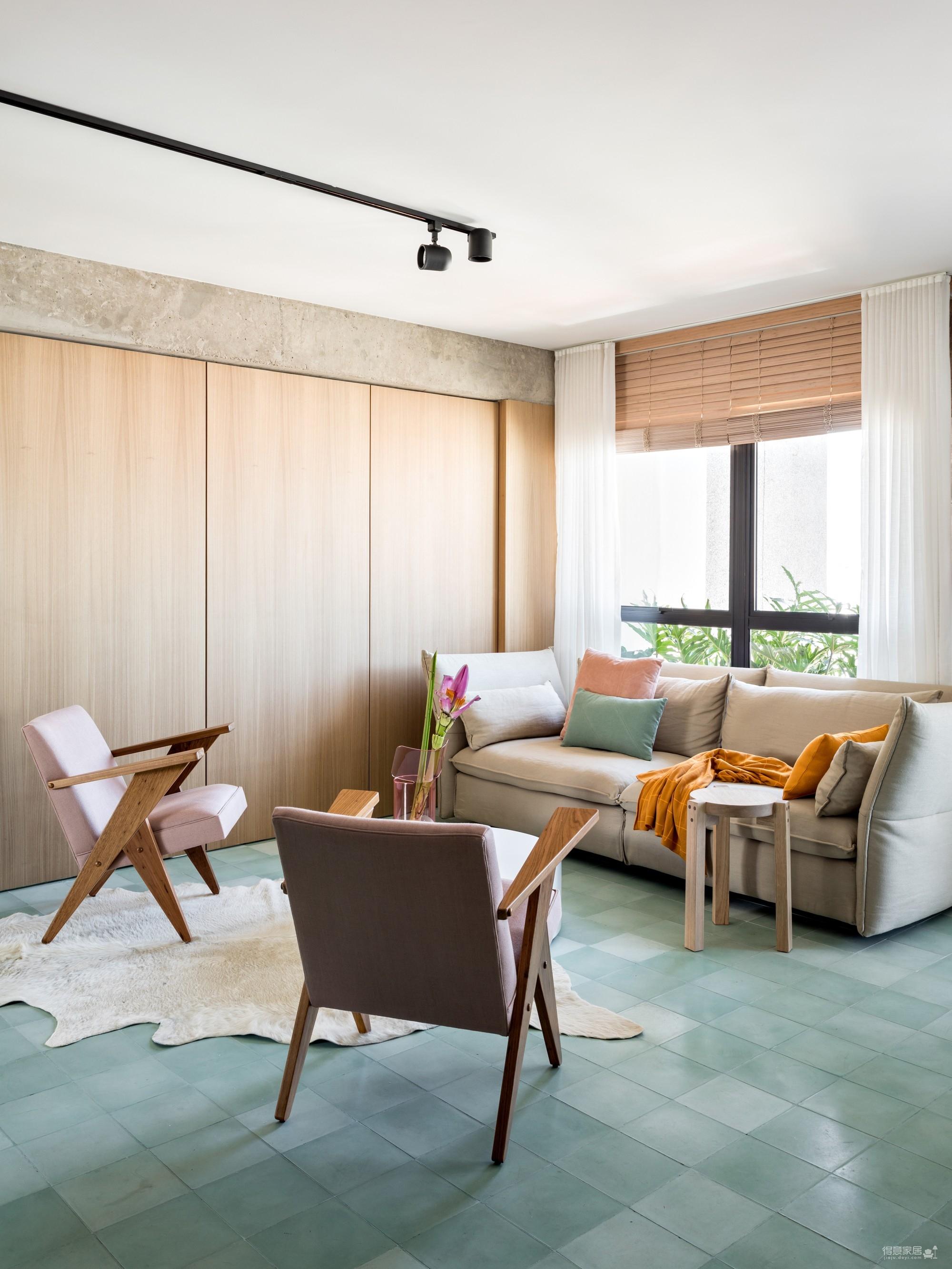 130㎡ 公寓翻新,将复古风格与现代家居创新结合图_3