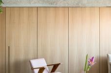 130㎡ 公寓翻新,将复古风格与现代家居创新结合图_4