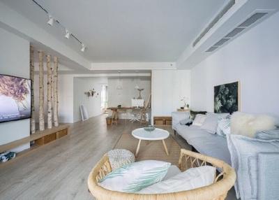 原木色加米白色为基调的北欧风格装修,感觉舒适