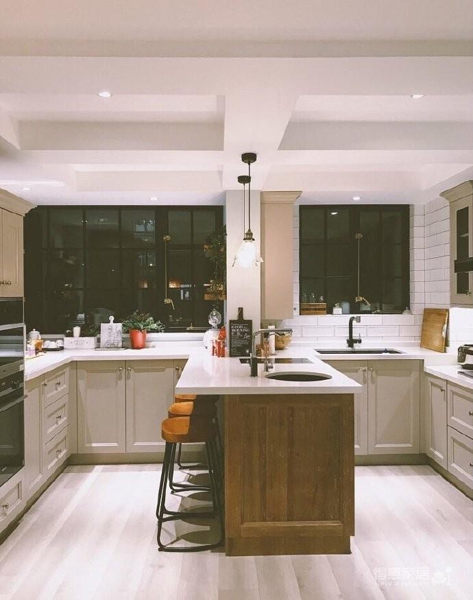 130平北欧混搭,卧室是灰绿色配白色;客厅是深绿色沙发背景墙配上浅薄荷绿,清新舒适图_8