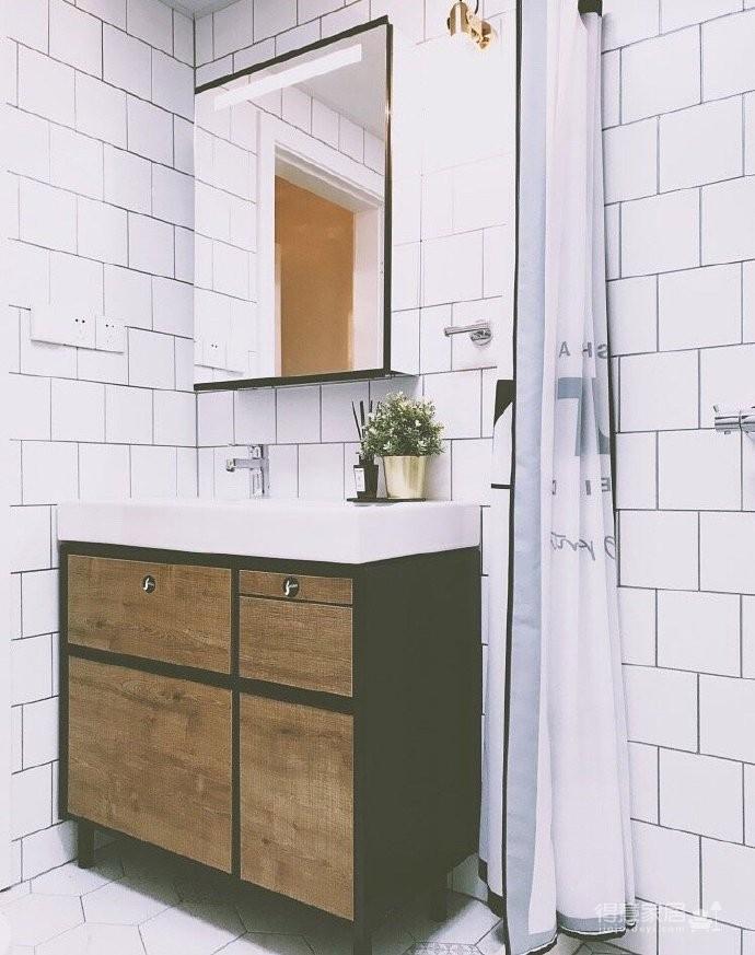 130平北欧混搭,卧室是灰绿色配白色;客厅是深绿色沙发背景墙配上浅薄荷绿,清新舒适图_9