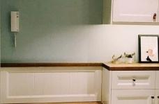 130平北欧混搭,卧室是灰绿色配白色;客厅是深绿色沙发背景墙配上浅薄荷绿,清新舒适图_3
