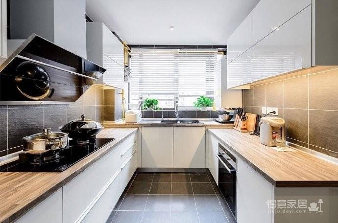 现代简约风格复式家居装修设计方案,无处不体现出年轻人追求的现代感,又不失功能性,好酷! 