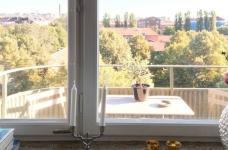47平功能性单身公寓设计,阳台风景美如画!图_2