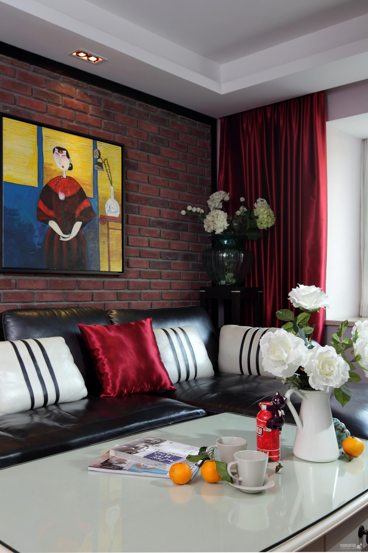 明亮的色彩,镂空墙的复古设计,让家变得像城堡