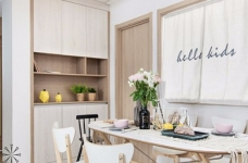 整体以木色、白色为设计基调,材料的纯度、简单的元素、以及值得推敲的定制细节是本案的标志。用平静的心灵看世界,利用淡淡的家具布局把原有的空间净化,把气质和品位含蓄地表现出来……图_5
