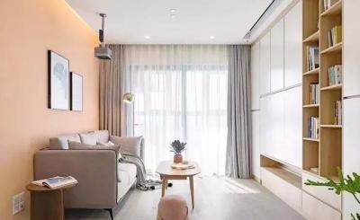 用亮色来增大视觉,同时界限也应柔和一些,使的空间相融相通,保证空间统一,部分区域玻璃的运用也让空间保留了通透感,也让现代化空间更为时尚。