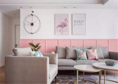 居家以少女粉与纯粹白为主色调,辅以金色点缀,打造甜而不腻的视觉效果。