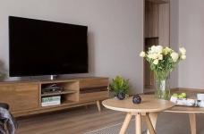 整体采用简约的日式风格装修,房间原木元素的搭配,让整个空间自然舒适,给人一种安静休闲的环境。图_4