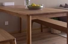 整体采用简约的日式风格装修,房间原木元素的搭配,让整个空间自然舒适,给人一种安静休闲的环境。图_8