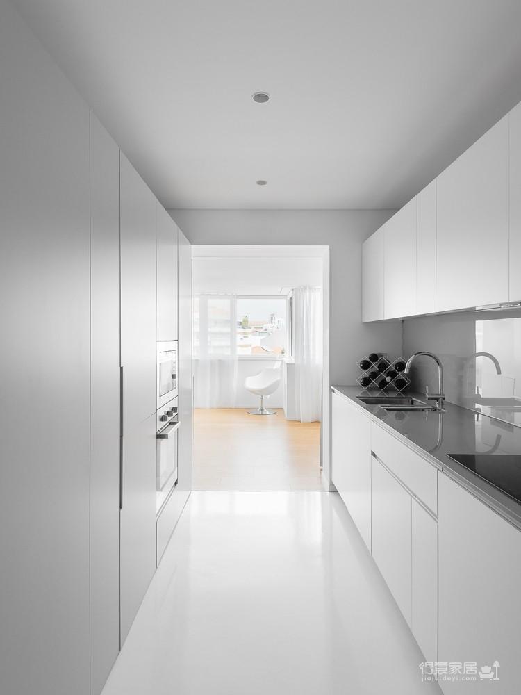 60㎡极简白的一居室, 一个双面柜分出四个功能区