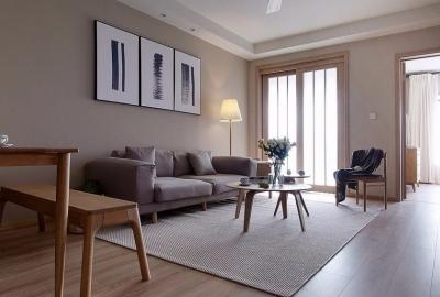 整体采用简约的日式风格装修,房间原木元素的搭配,让整个空间自然舒适,给人一种安静休闲的环境。