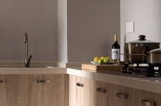 整体采用简约的日式风格装修,房间原木元素的搭配,让整个空间自然舒适,给人一种安静休闲的环境。图_9