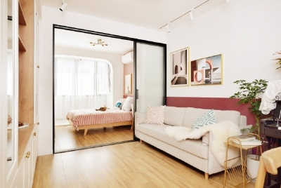 48平小户型装修,卫生间的三分离设计,客厅的书柜收纳设计,卧室的衣物收纳设计,移门采光设计以及阳台的布局都是这套户型设计中的精彩之处