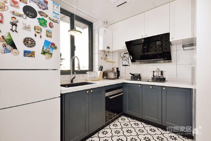 48平小户型装修,卫生间的三分离设计,客厅的书柜收纳设计,卧室的衣物收纳设计,移门采光设计以及阳台的布局都是这套户型设计中的精彩之处图_7
