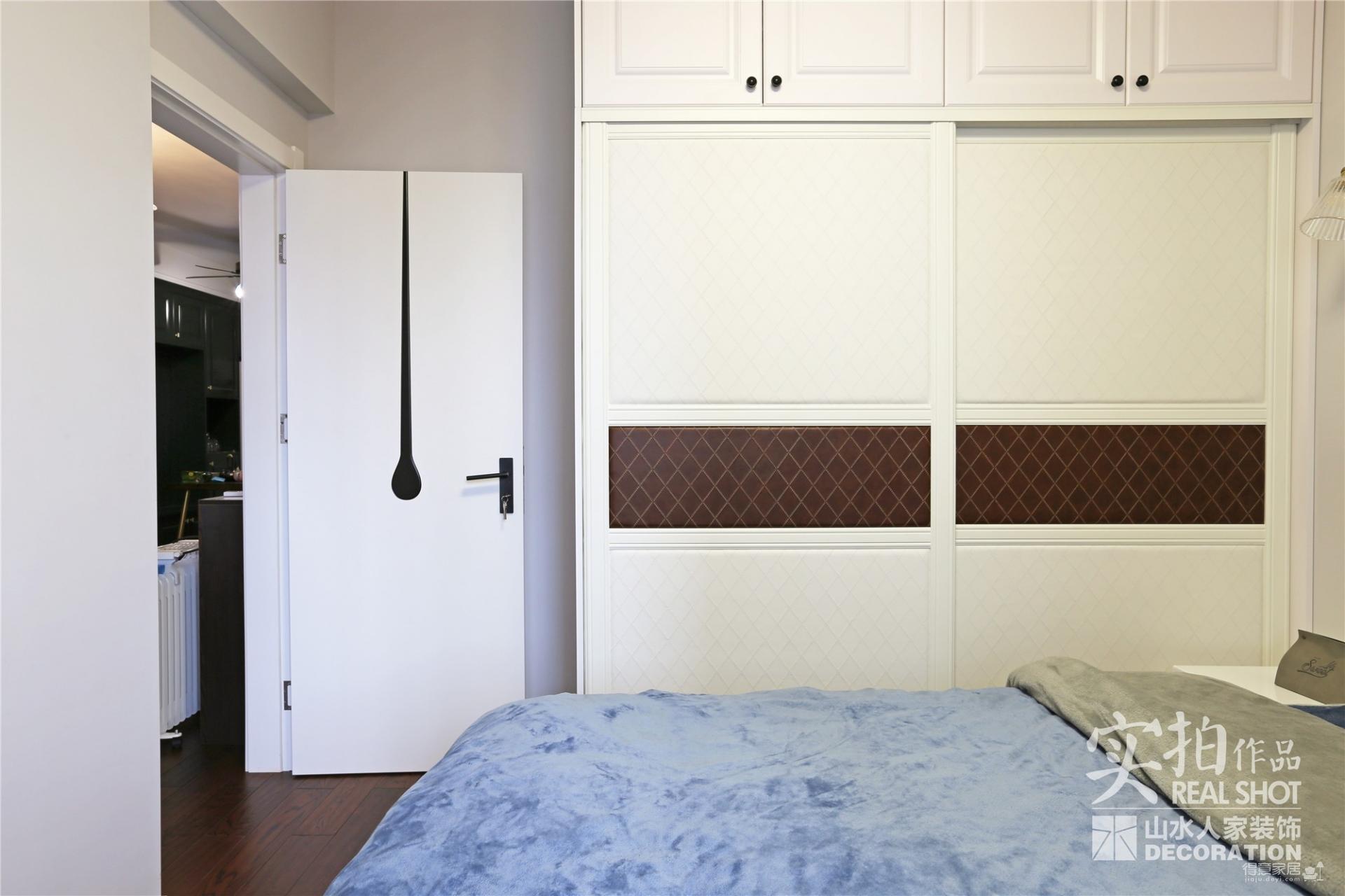 一抹墨绿77平两室两厅