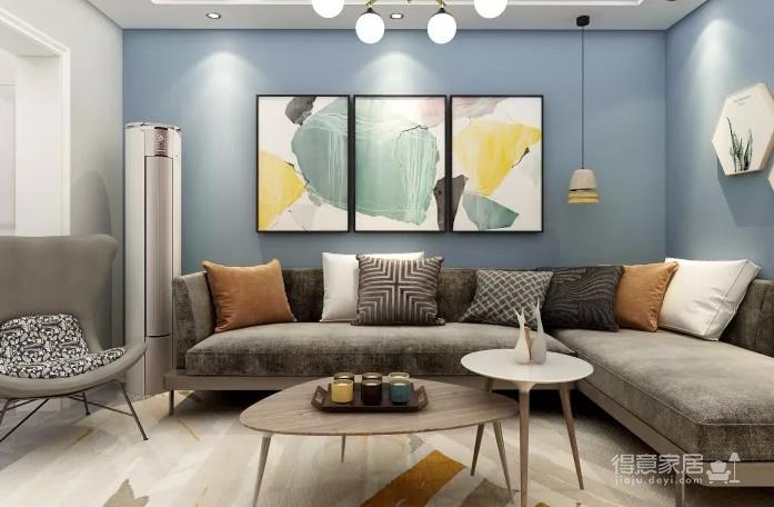 省略过于细节的装点,以简单大方的多色家饰,配上自然感十足的和布艺沙发,看起来既简单又舒适