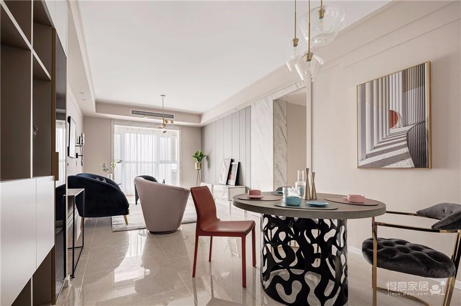 推开门,无论是谁,第一眼都会被这个色彩缤纷的客厅惊艳到!粉与蓝交织,黄铜与丝绒搭配,简直就像是印在杂志封面上的精美插画图_5