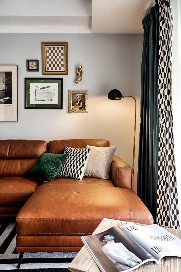 140平复古北欧风,墨绿和棕色搭配的家图_4