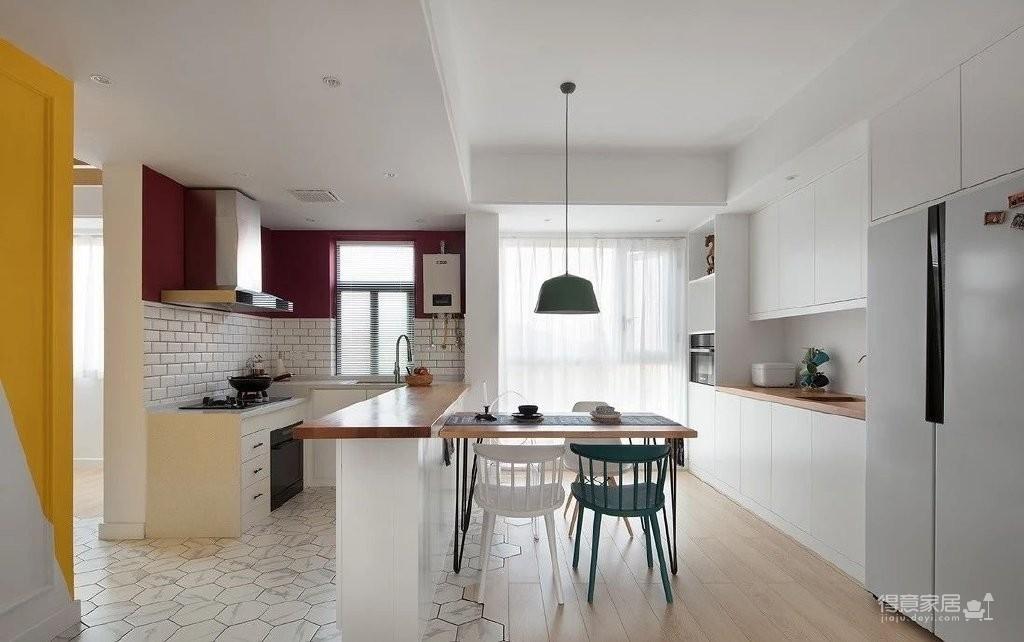 150㎡极具特色的三房装修案例,色彩运用好丰富!图_6