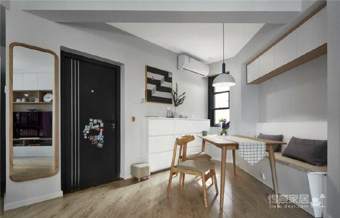 76平简约风格装修,客厅和厨房墙壁打通,用黑色金属边框玻璃做隔断,2个空间都瞬间开阔并且采光很好图_7