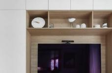 76平简约风格装修,客厅和厨房墙壁打通,用黑色金属边框玻璃做隔断,2个空间都瞬间开阔并且采光很好图_2