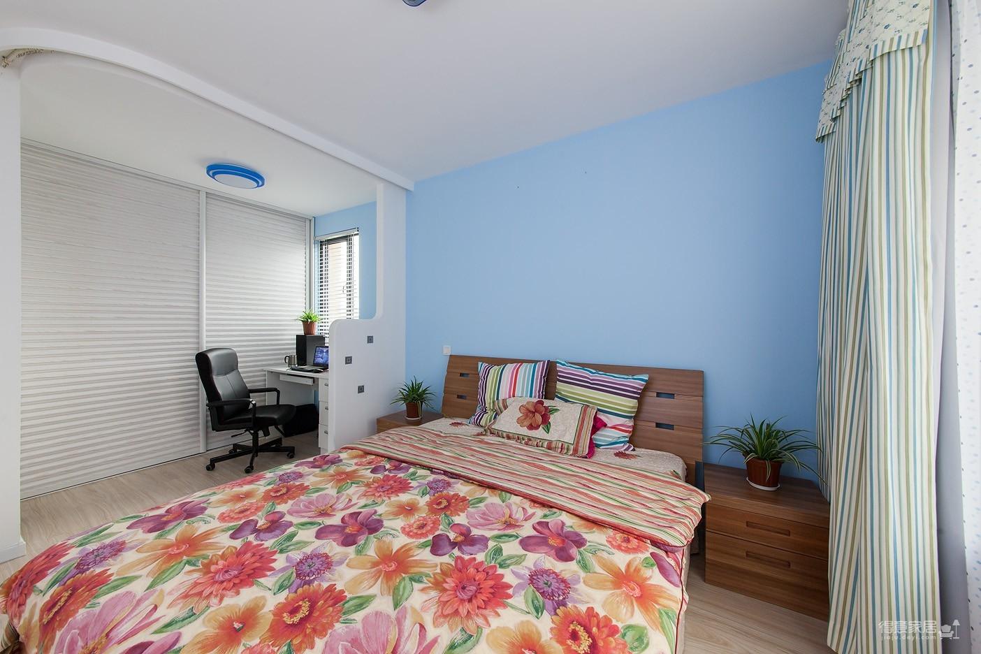 圆拱门让生活更有情调,还有一半书房一半卧室,办公生活两不误图_17