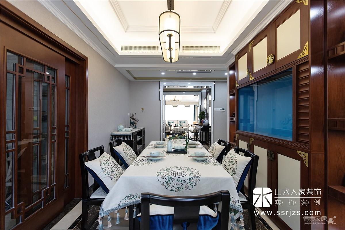 151平三室两厅一厨两卫中式