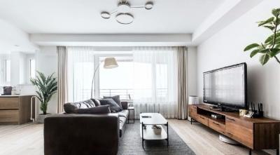 屋主夫妇不约而同都喜欢日式极简风格,喜欢原木色和白色。