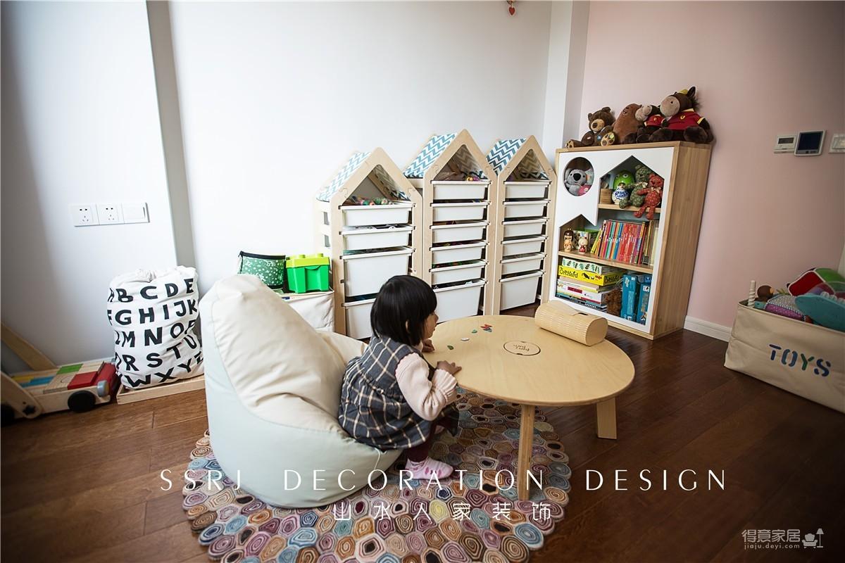 有书房儿童房的三口之家图_11