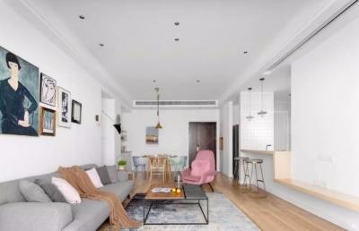 这是一套北欧风格的装修案例,屋主想要一个可以生活的家,有花有草。喜欢一些原木的材质和纹理,无需过多的装饰,舒服自然就好。