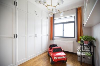 怡芳苑142平现代三室两厅轻奢