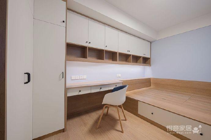 清新蓝、温暖灰、纯净白、再加上原木家具,搭配出了这个三百六十度无死角的日式北欧小窝