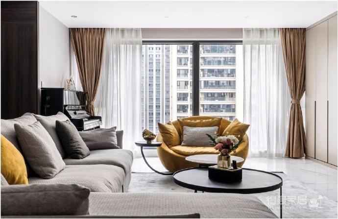 160㎡现代轻奢,硬朗的设计携带着一股与生俱来的气质,恰到好处地运用于现代空间,在简单中营造奢华感