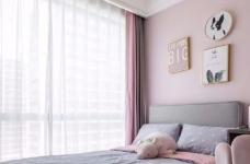 本案以现代风格出发,低饱和度色彩叙述着空间高级感。有序的布局透露着新现代主义纯粹的本质,阿尔卑斯系列瓷砖与跳跃的色彩点缀,让空间灵动富有张力、更具层次感图_4