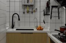 97平北欧风装修,客厅的配色以灰色为主,绿色为点缀,清新又有格调图_7