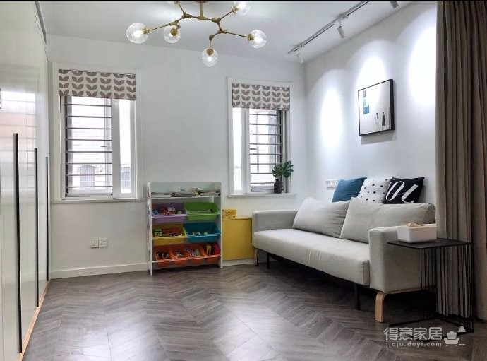 98平三居室,在力求小户型中的大空间,在满足三代人居住的前提下,还能拥有一家人交流活动的公共空间图_1