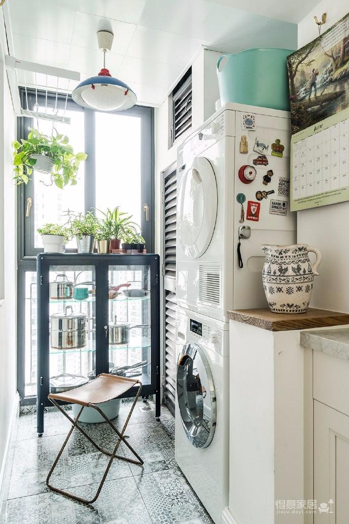 90平美式风家居,白色和胡桃色干净舒服,整个看起来舒服治愈且自然不刻意