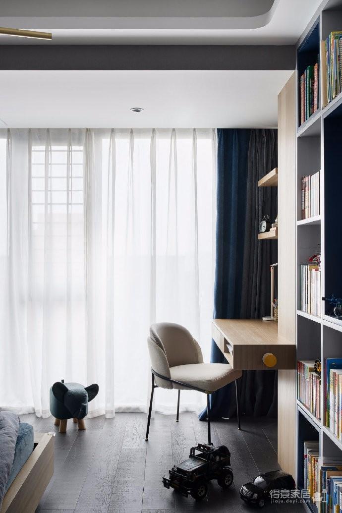 136平米现代简奢三居室,空间承载着生活,生活诠释着艺术