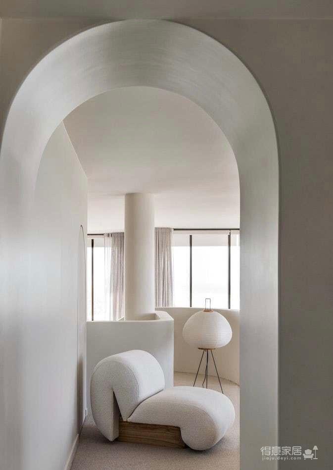 黄金海岸边的顶层公寓,颜色纯洁犹如新生!