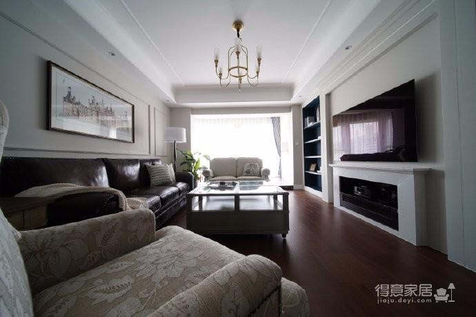 """148㎡传统美式风四居室,屋主是一对80后小夫妻,""""喜欢传统美式的温暖,色系淡雅,美式的线条。不喜欢现代简约风,当然家具还要非常实用""""这是小两口对家的期待"""