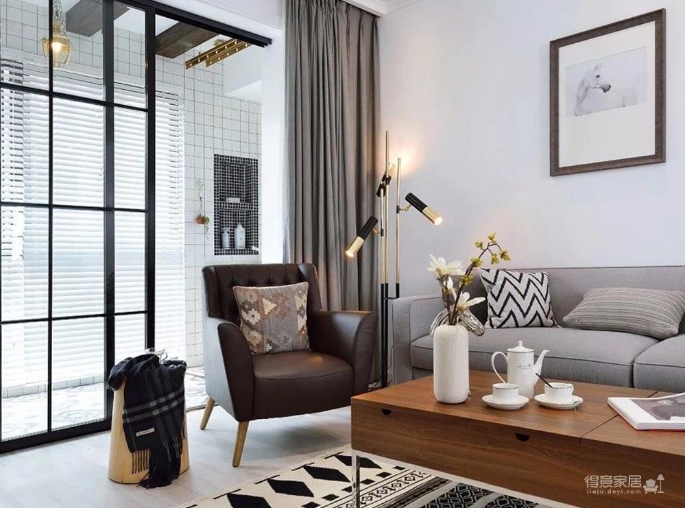 以纯白色为基调,搭配原木家具,兼具美观与实用,虽然色调和设计,都较为简单,但还是能彰显出个性和文艺范。