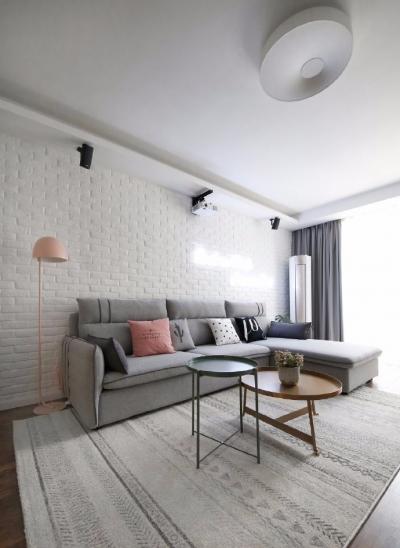 这个家很少有当下霸屏的各种网红元素,立意于创造可长久居住、不轻易过气或者审美疲劳的空间