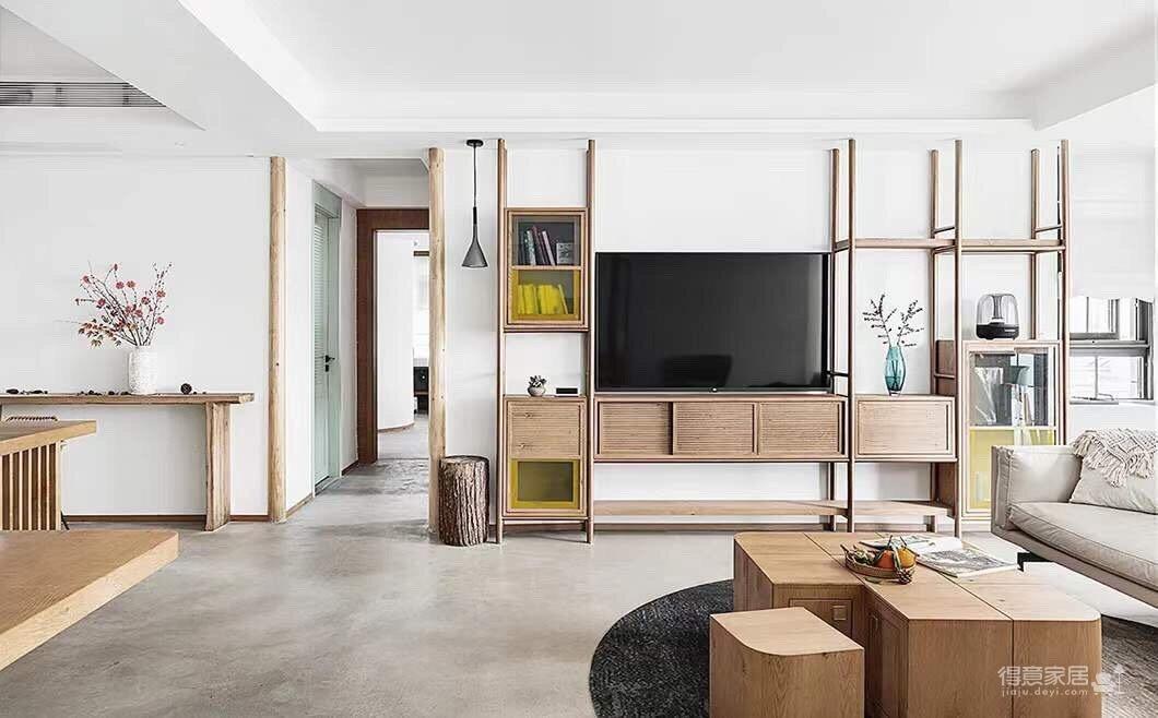 150平四室两厅原木空间