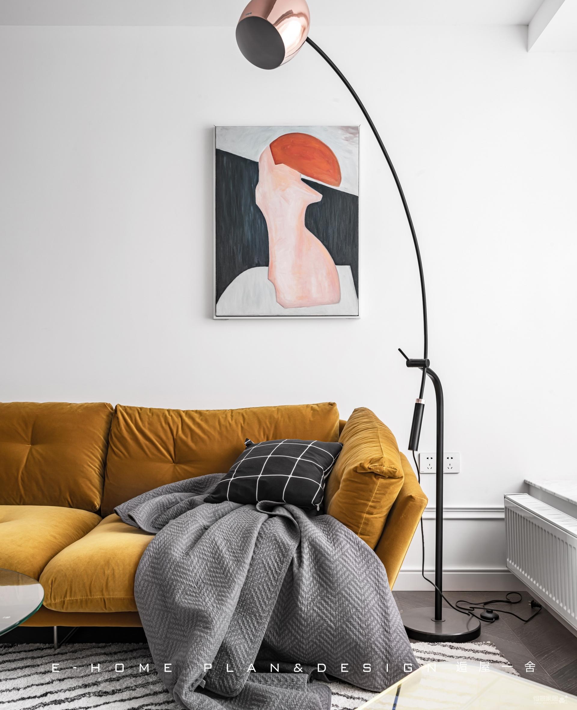 由入户衣帽间,进入一个画廊般的家图_6