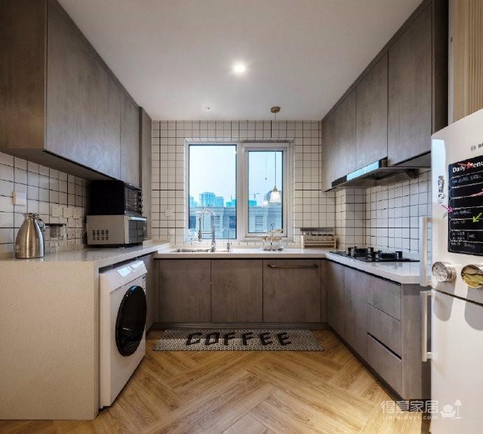 85平米现代简约三居室,温暖的家给人的治愈是相似的