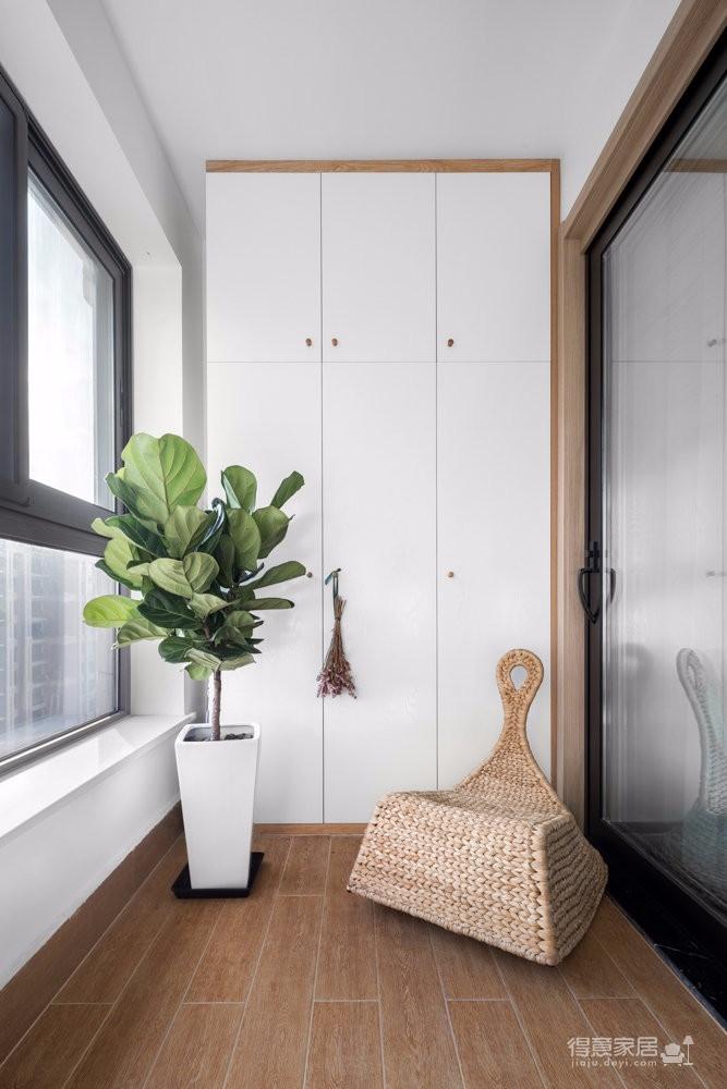 89平米清新实用主义,原木色三居室,一个完完整整,充满回忆和希望,在人生道路上每一个疲乏时刻都会想念着的,属于两人的温馨小家