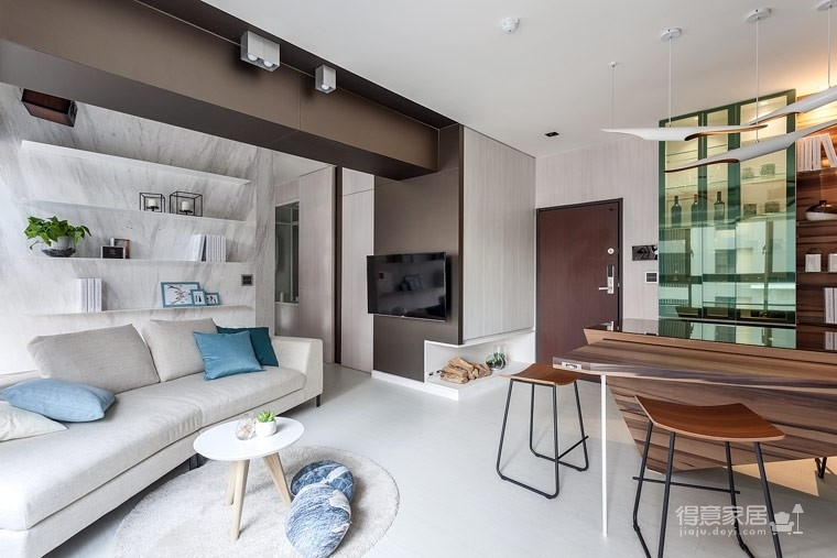 59㎡蓝白系单身公寓设计,散发着慵懒度假氛围!